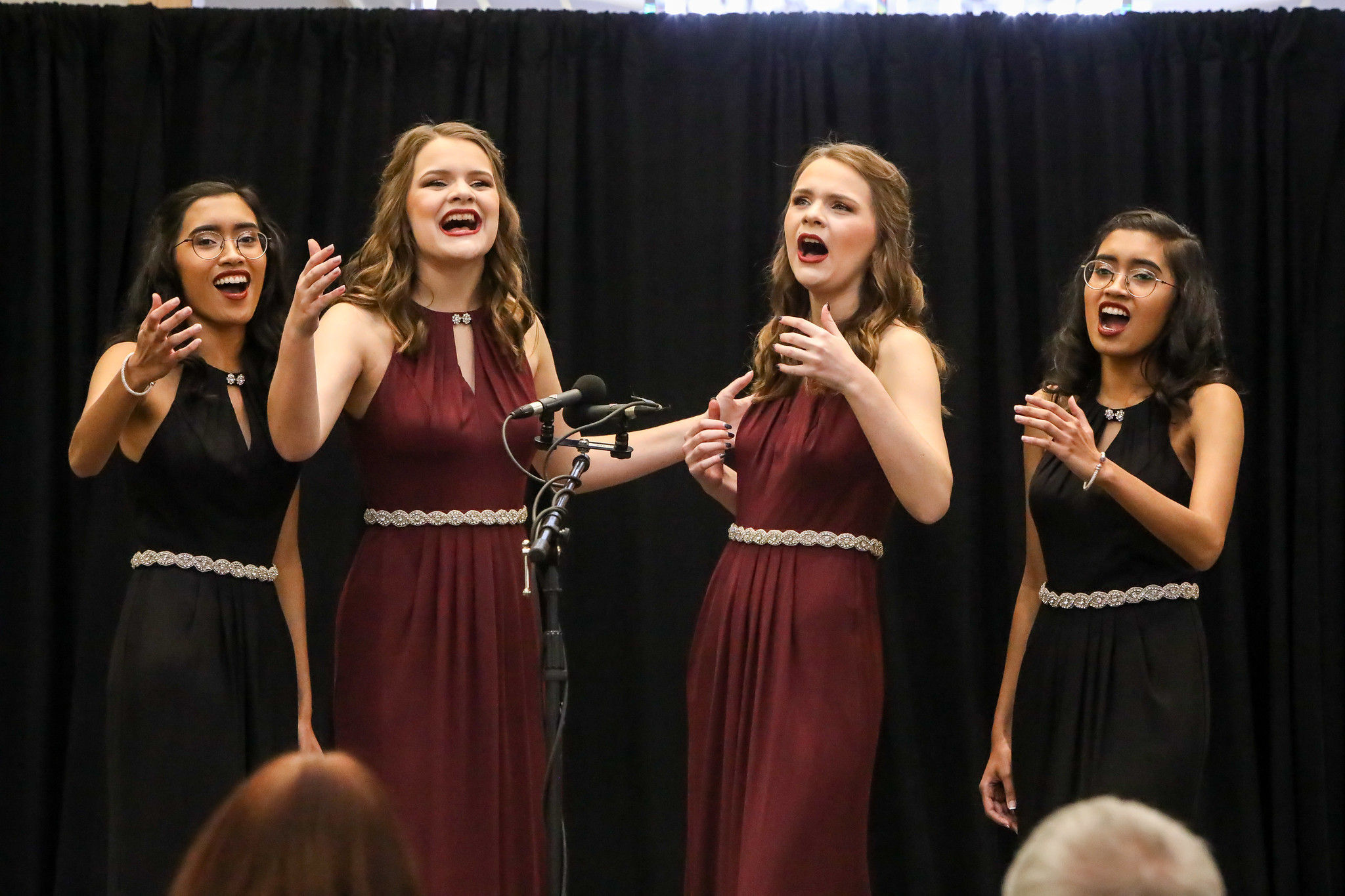 Singing Double performs at the 2020 Midwinter Convention