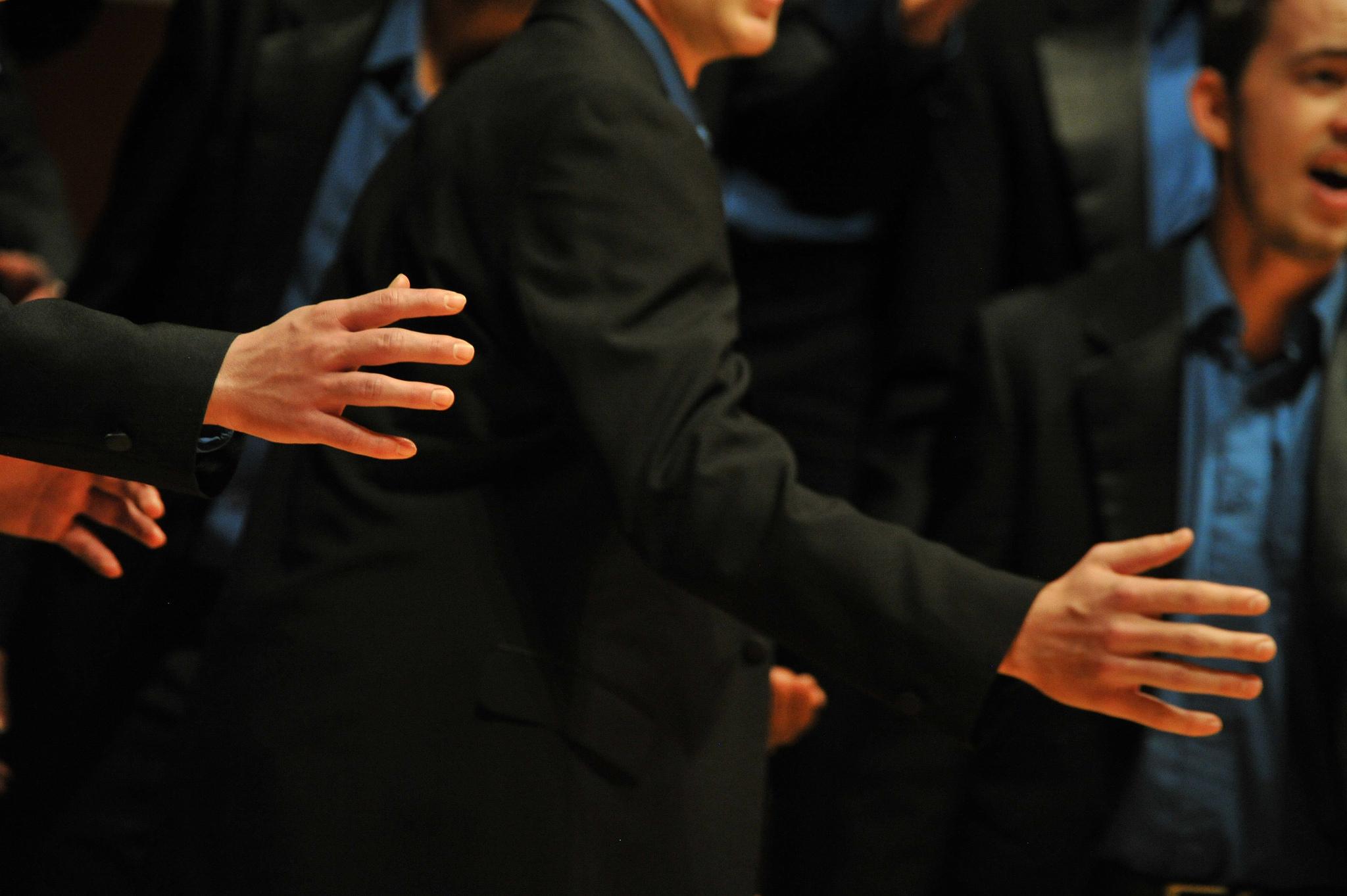 SINGER - chorus black suit