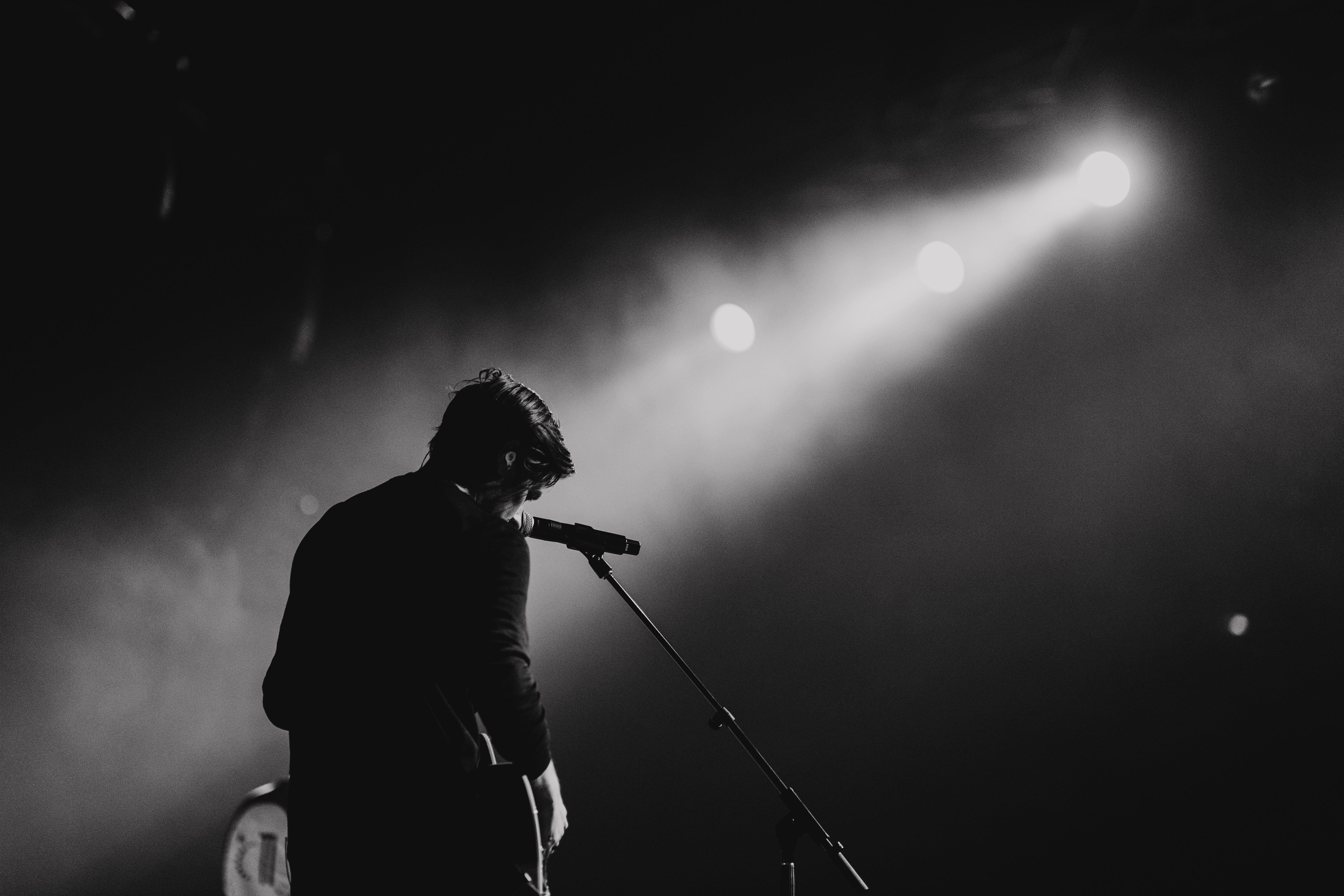 Spotlight on Single Singer